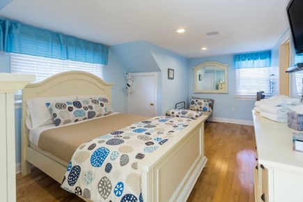 Vineyard Haven, Martha's Vineyard Martha's Vineyard vacation rental - 2nd Floor bedroom with TV with fire stick and DVD