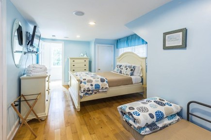 Vineyard Haven, Martha's Vineyard Martha's Vineyard vacation rental - 2nd Level bedroom