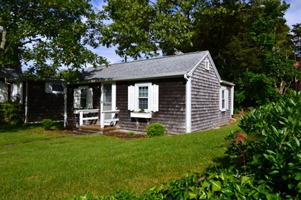 Vineyard Haven Martha's Vineyard vacation rental - Front of cottage