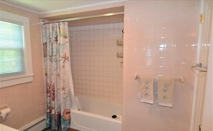 Vineyard Haven Martha's Vineyard vacation rental - Full Bath