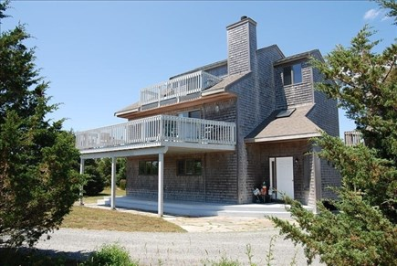 Katama - Edgartown Martha's Vineyard vacation rental - Side view of house
