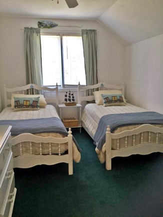 Edgartown Martha's Vineyard vacation rental - Upstairs bedroom 2 with twin beds
