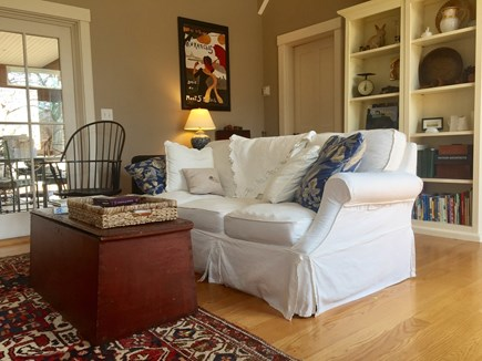 Edgartown Martha's Vineyard vacation rental - Pull out queen size sofa
