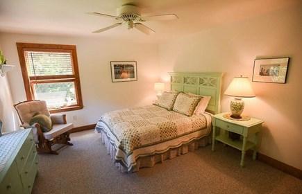 Oak Bluffs - Meadow View Farms Martha's Vineyard vacation rental - Upstairs en-suite East bedroom.