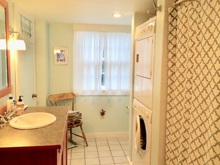 Edgartown Village Martha's Vineyard vacation rental - The downstairs bathroom