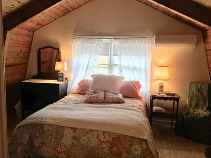 Edgartown Village Martha's Vineyard vacation rental - The upstairs queen size bed