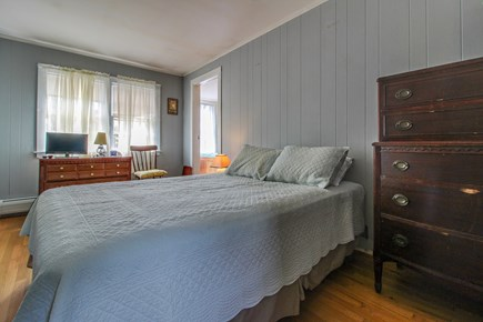 Vineyard Haven Martha's Vineyard vacation rental - Get a great night's sleep in this queen size bed.