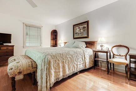 Vineyard Haven Martha's Vineyard vacation rental - Come home to this king size bed for a good night's rest.