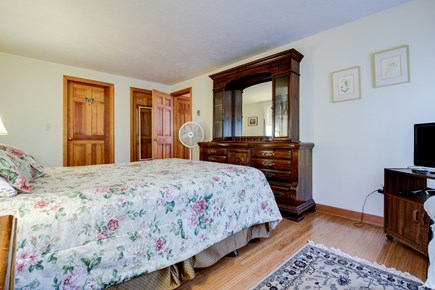 Edgartown Martha's Vineyard vacation rental - A queen bed in a gorgeous antique wood frame & large dresser