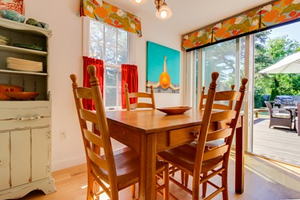 Edgartown Martha's Vineyard vacation rental - Catch up with your kids in the sunny dining space