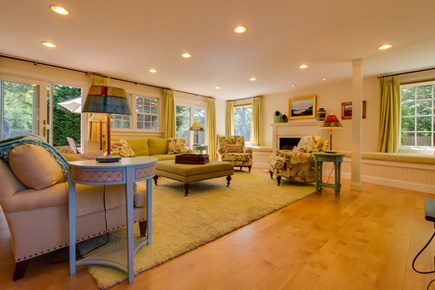 Edgartown Martha's Vineyard vacation rental - Curl up with a good book in the window seat