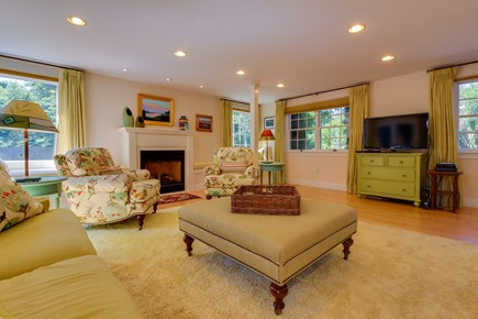 Edgartown Martha's Vineyard vacation rental - Have an evening Netflix marathon on the flatscreen cable TV