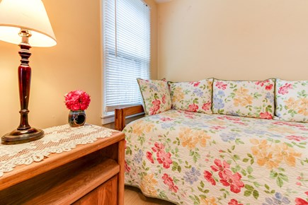 Oak Bluffs Martha's Vineyard vacation rental - Get a good night's sleep in these twin sized beds.