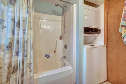 Edgartown Martha's Vineyard vacation rental - This home has a private washer/dryer so you can pack light
