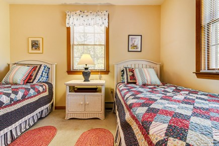 Oak Bluffs Martha's Vineyard vacation rental - Extra space with two twin beds & wicker furniture
