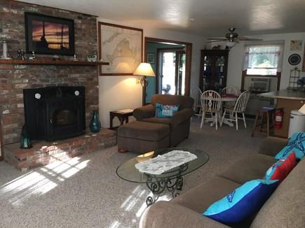 Edgartown, Ocean Heights Martha's Vineyard vacation rental - WiFi, Flat Screen TV, Surround Sound Stereo
