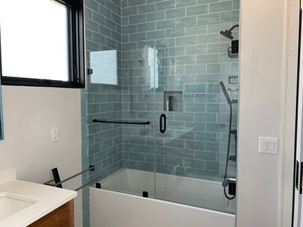 Oak Bluffs Martha's Vineyard vacation rental - Full Bathroom