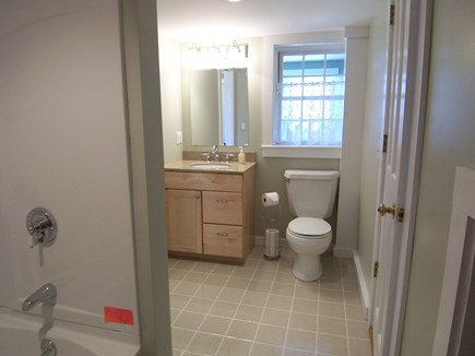 Edgartown Martha's Vineyard vacation rental - Full bath