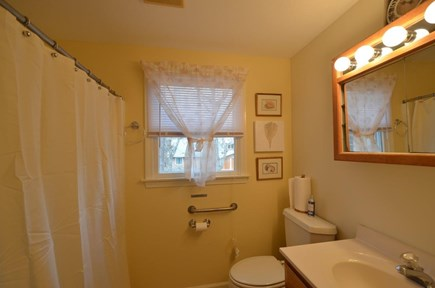 Oak Bluffs Martha's Vineyard vacation rental - 2nd floor shared bath with bathtub.