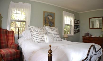 Edgartown, Katama Martha's Vineyard vacation rental - First floor bedroom - Queen size bed
