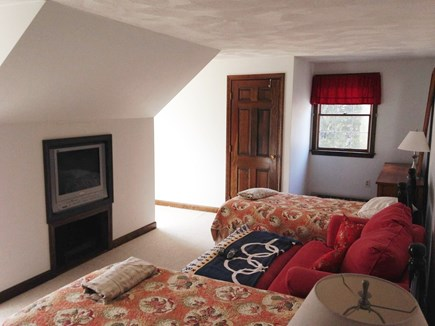 Oak Bluffs Martha's Vineyard vacation rental - Upstairs bedroom (2 Twins + 1 Sofa bed)