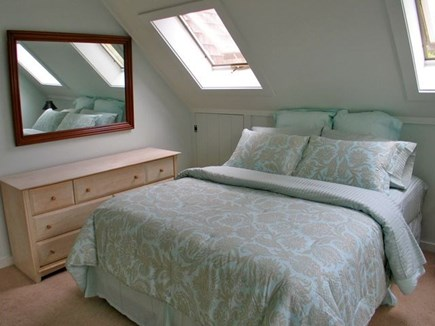 Katama - Edgartown, Edgartown Martha's Vineyard vacation rental - Queen bed upstairs