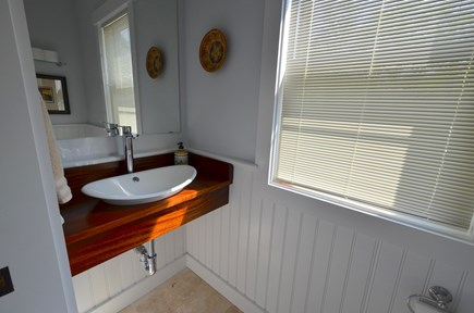 Oak Bluffs Martha's Vineyard vacation rental - 1/2 bath