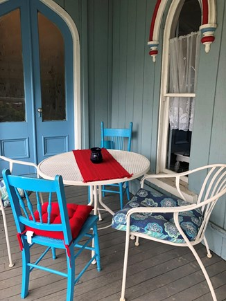 Vineyard Haven, Oak Bluffs Martha's Vineyard vacation rental - Breakfast nook on side porch