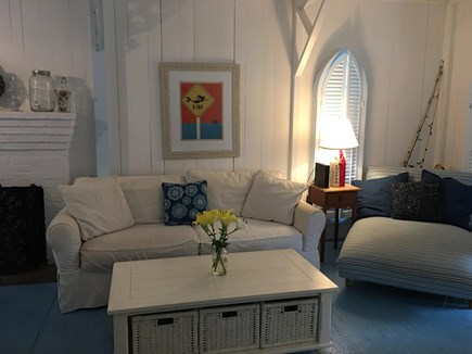 Vineyard Haven, Oak Bluffs Martha's Vineyard vacation rental - Beachy living room with comfy seating and cable/DVD TV