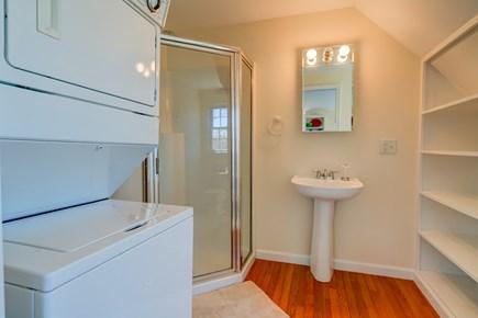 Edgartown Martha's Vineyard vacation rental - Bathroom and washer/dryer