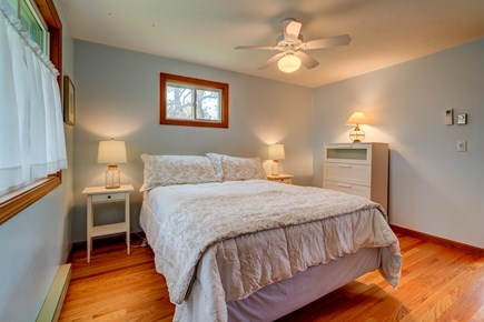 Edgartown Martha's Vineyard vacation rental - Comfortable master bedroom