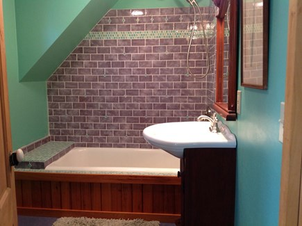 Oak Bluffs, East Chop Martha's Vineyard vacation rental - Soaking tub in upstairs bathroom