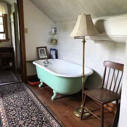 West Tisbury Martha's Vineyard vacation rental - Upstairs tub