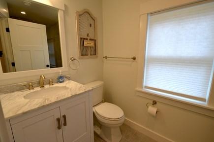 Vineyard Haven, Tisbury Martha's Vineyard vacation rental - Bathroom