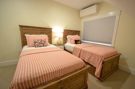 Vineyard Haven, Tisbury Martha's Vineyard vacation rental - Twin beds