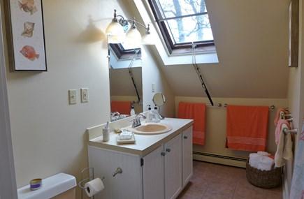 Oak Bluffs Martha's Vineyard vacation rental - 2nd Fl Full Bath