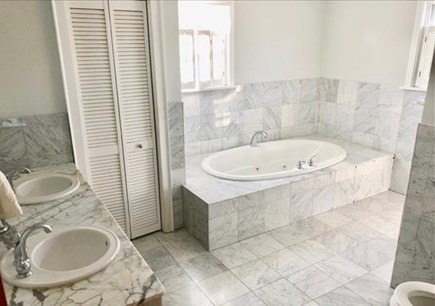 Edgartown Martha's Vineyard vacation rental - Master bathroom