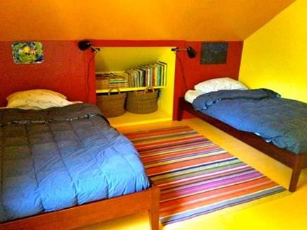 Oak Bluffs Martha's Vineyard vacation rental - Twin bedroom upstairs.