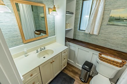 West Tisbury, Lambert's Cove Martha's Vineyard vacation rental - Full bathroom downstairs with tub/shower