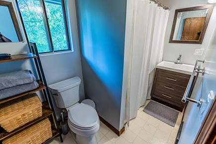 West Tisbury, Lambert's Cove Martha's Vineyard vacation rental - Full bathroom upstairs with tub/shower