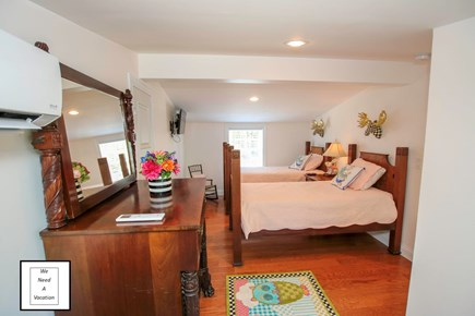 32 County Road, Oak Bluffs Martha's Vineyard vacation rental - Upstairs bedroom queen size