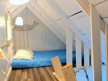 Oak Bluffs Martha's Vineyard vacation rental - The Loft: Innovated space with 2 twins