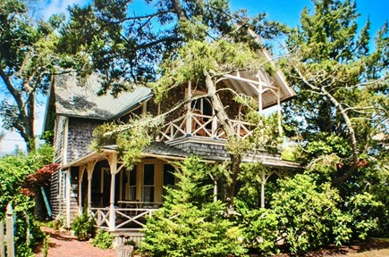 Oak Bluffs Martha's Vineyard vacation rental - Classic Victorian Vineyard in the Center of Oak Bluffs