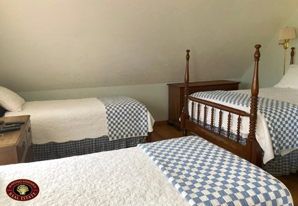 Edgartown Martha's Vineyard vacation rental - Upstairs Bedroom with 2 Twins and 1 Full