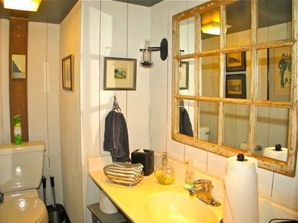 Chilmark Martha's Vineyard vacation rental - Clean and well decorated bathroom