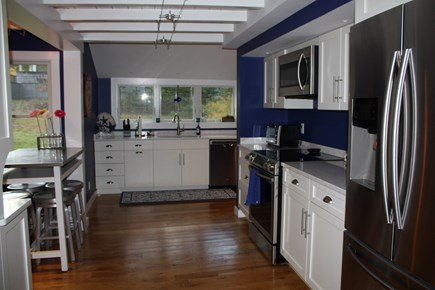 Oak Bluffs, East Chop  Martha's Vineyard vacation rental - Kitchen with eat-in island