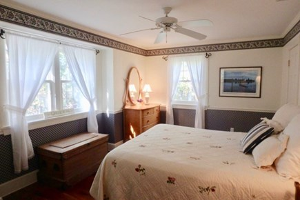 Vineyard Haven Martha's Vineyard vacation rental - Sleep like a queen in your clean plush bed.