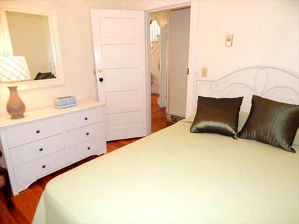 Oak Bluffs Martha's Vineyard vacation rental - Second Floor Queen Bed