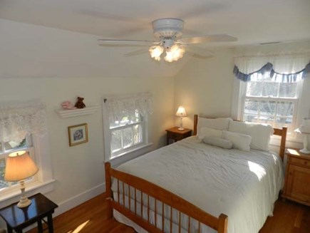 Edgartown Martha's Vineyard vacation rental - 2nd floor bedroom with Flat TV.(queen bed)