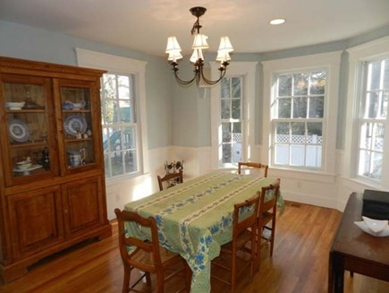 Edgartown Martha's Vineyard vacation rental - Bright dining room seats 8 comfortably